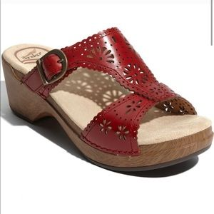 Dansko Sapphire Red Leather Floral Sandal 39